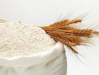 O processamento da farinha branca remove a parte mais nutritiva do trigo, assim como a maior parte da fibra