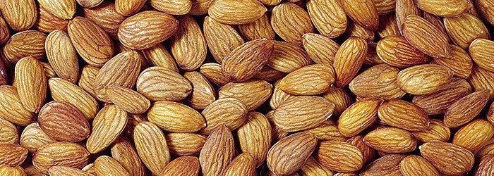 As amêndoas contém ácidos graxos saudáveis para o coração