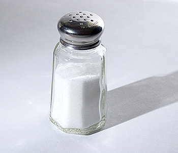 O sal de mesa é feito de 40% de sódio e 60% de cloreto
