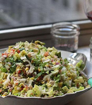 Salada de frango picado com creme de vinagrete e páprica