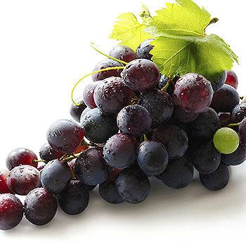 As uvas possuem excelentes níveis de antioxidantes que fazem tão bem para saúde quanto para a beleza.
