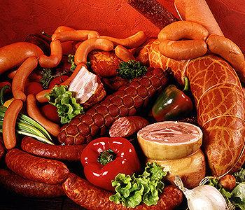 Comer cerca de 50 g de carne processada – uma salsicha – todos os dias, pode aumentar o risco de câncer em até 19%.