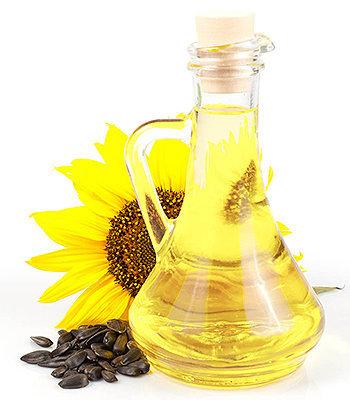 O óleo de girassol é rico em ácidos graxos essenciais, um poderoso antioxidante.
