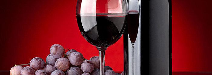 O vinho tinto é excelente na prevenção de doenças, desde as cardiovasculares até o câncer.