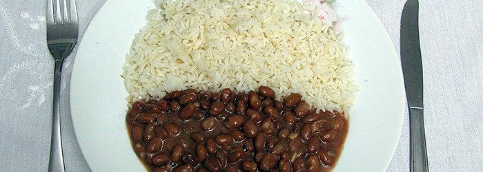 O tradicional arroz e feijão também é uma combinação perfeita do ponto de vista nutricional.