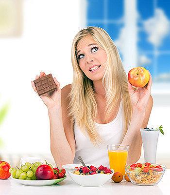 Devemos sempre nos atentar para escolher a salada da maneira correta, evitando acréscimos calóricos.