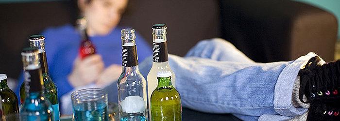 A drunkorexia acontece quando um indivíduo, preocupado obsessivamente em não engordar, passa a consumir bebidas alcoólicas em substituição à comida.