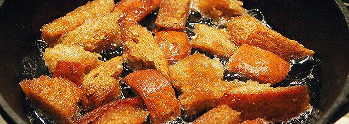 As frituras provocam alterações químicas no óleo utilizado, deixando de ser uma fonte de gordura insaturada (no caso do uso de óleos vegetais) para tornar-se uma gordura saturada.