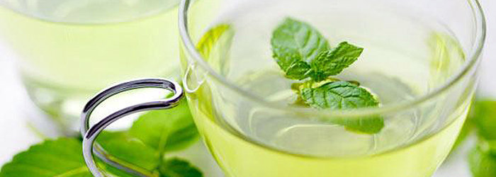 Se você tem uma dor de estômago, está se sentindo ansioso ou está lutando contra uma gripe, faça um chá de hortelã e experimente os seus benefícios.