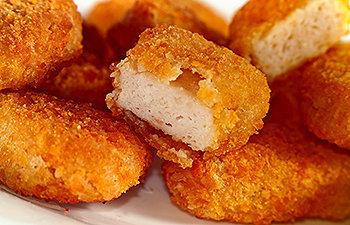 Deliciosos e saudáveis nuggets caseiros
