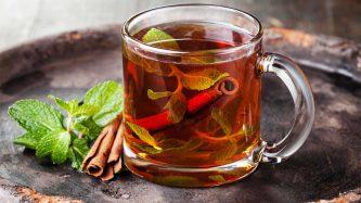 Chá de Canela: Benefícios, Riscos e Receitas